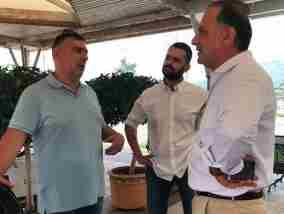 Ευχές και δεσμεύσεις από τον Πιτσάκη στους εργαζόμενους και ιδιοκτήτες κέντρων αναψυχής της Κορίνθου