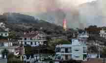 Συνεχίζεται η μάχη για τον έλεγχο της πυρκαγιάς στις Κεχριές – Δείτε τη φωτιά σε time-lapse βίντεο