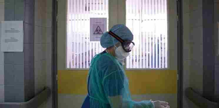 ΕΟΔΥ : 152 νέα κρούσματα κορωνοϊού στη χώρα  – «Βόμβα» Μόσιαλου για πολύ μεγαλύτερο αριθμό κρουσμάτων