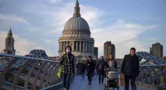Βρετανία: Ένας μήνας lockdown για πέντε μέρες Χριστούγεννα