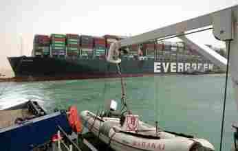 Οι ΗΠΑ προσφέρουν βοήθεια στην Αίγυπτο για να ανοίξει ξανά η Διώρυγα του Σουέζ