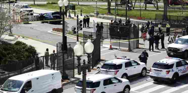 Επίθεση στο Καπιτώλιο με νεκρό αστυνομικό που παρασύρθηκε από όχημα