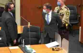Δολοφονία Τζορτζ Φλόιντ: Το δικαστήριο έκρινε ένοχο για όλες τις κατηγορίες τον Ντέρεκ Σόβιν