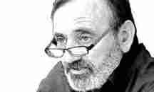 «Χρώματα πάνω από τα βουνά»: Η νέα ποιητική συλλογή του Ξυλοκαστρίτη Σωτήρη Σαλή