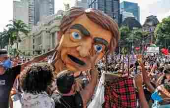 Ντόμινο πολιτικών ανατροπών σαρώνει τη Λατινική Αμερική