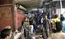Δεκάδες νεκροί και τραυματίες από έκρηξη βόμβας σε αγορά στη Βαγδάτη