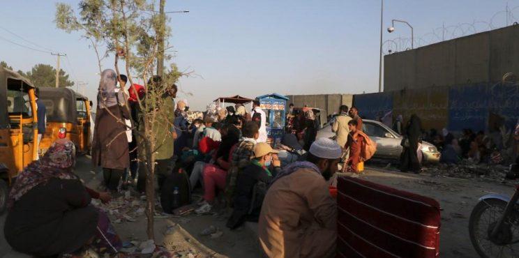 Στοιχεία για επίθεση αυτοκτονίας στο αεροδρόμιο της Καμπούλ έχουν οι ΗΠΑ